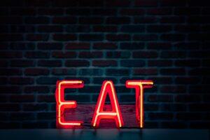 【今だけの情報あり!】飲食店勤務でもできる副業の勧め-6種類まとめ+具体的なアイデア